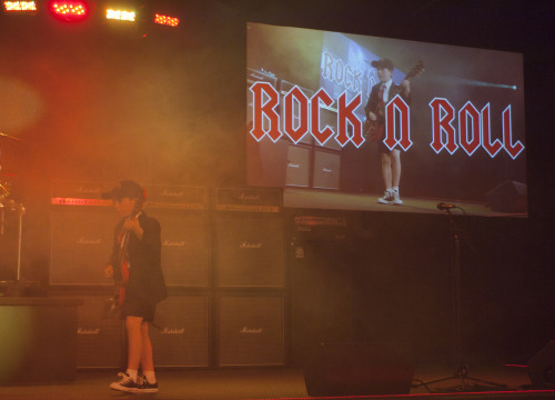 "V² Live Concert at ""House of Rock"""